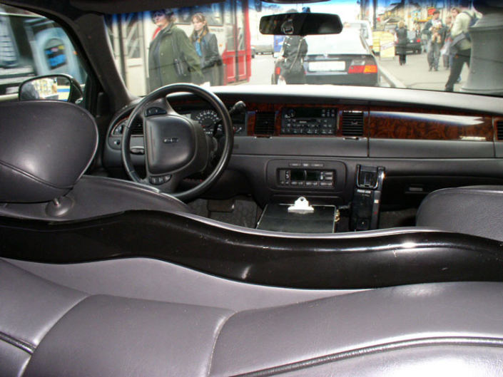 Lincoln Town Car Super Stretch